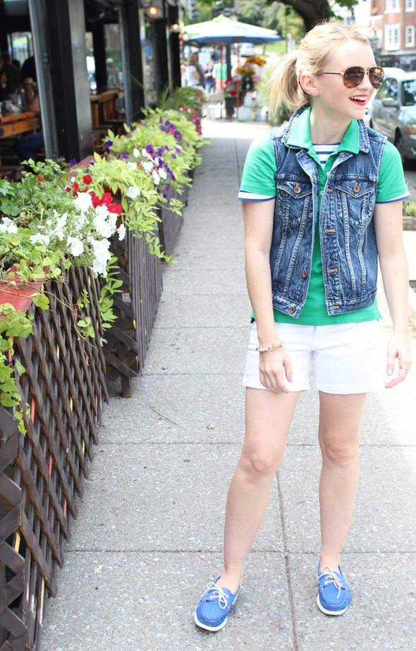 Poor Little It Girl in Madewell Denim Vest, KP MacLane Green Polo, Celebrity Pink White Denim Shorts and Blue Sperry Topsider Shoes