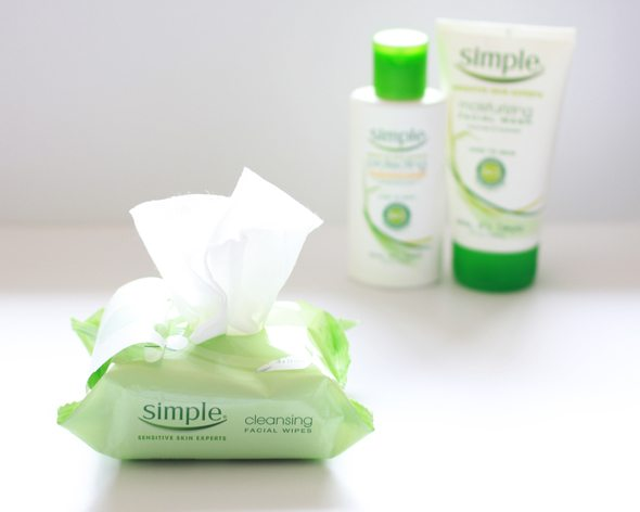 Simple Skincare Cleansing Facial Wipes - via @poorlilitgirl (Poor Little It Girl)
