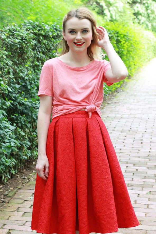 Red and Pink for Spring - via @poorlilitgirl