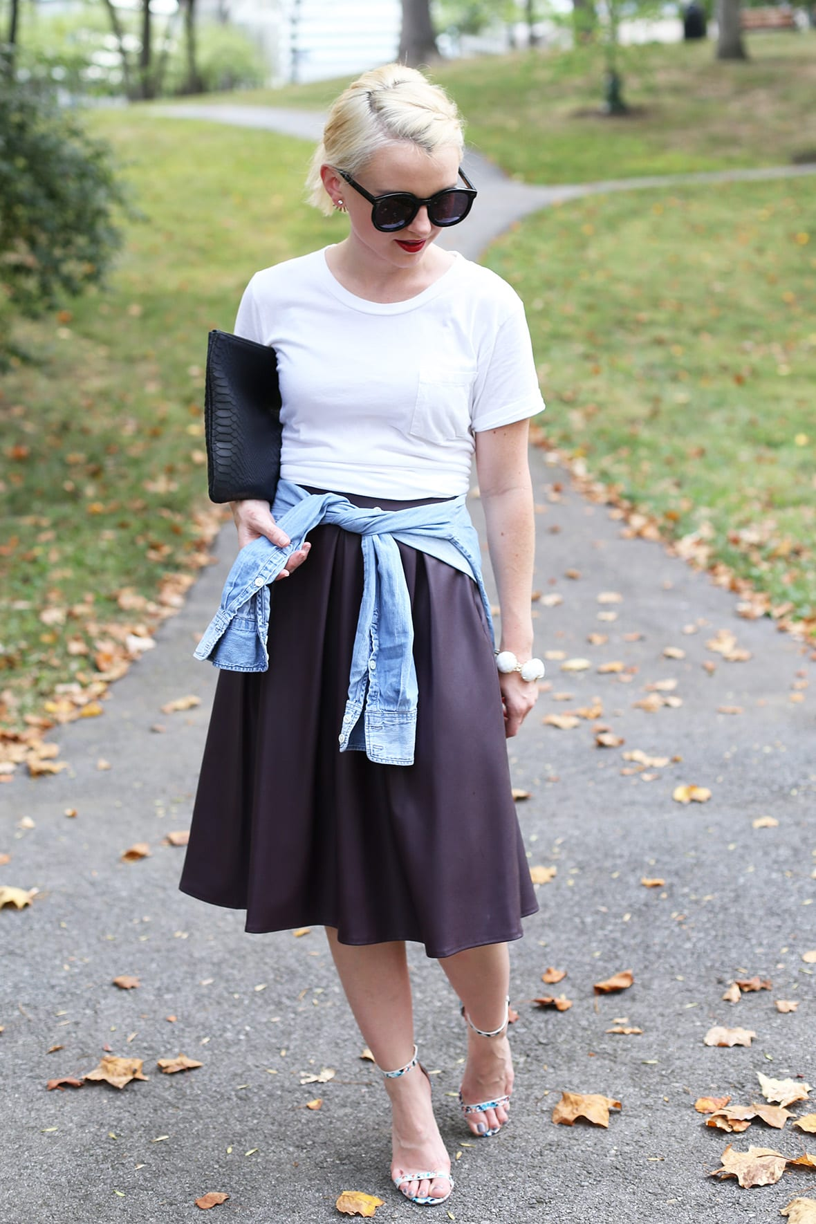 Poor Little It Girl - Styling A White T-shirt @poorlilitgirl