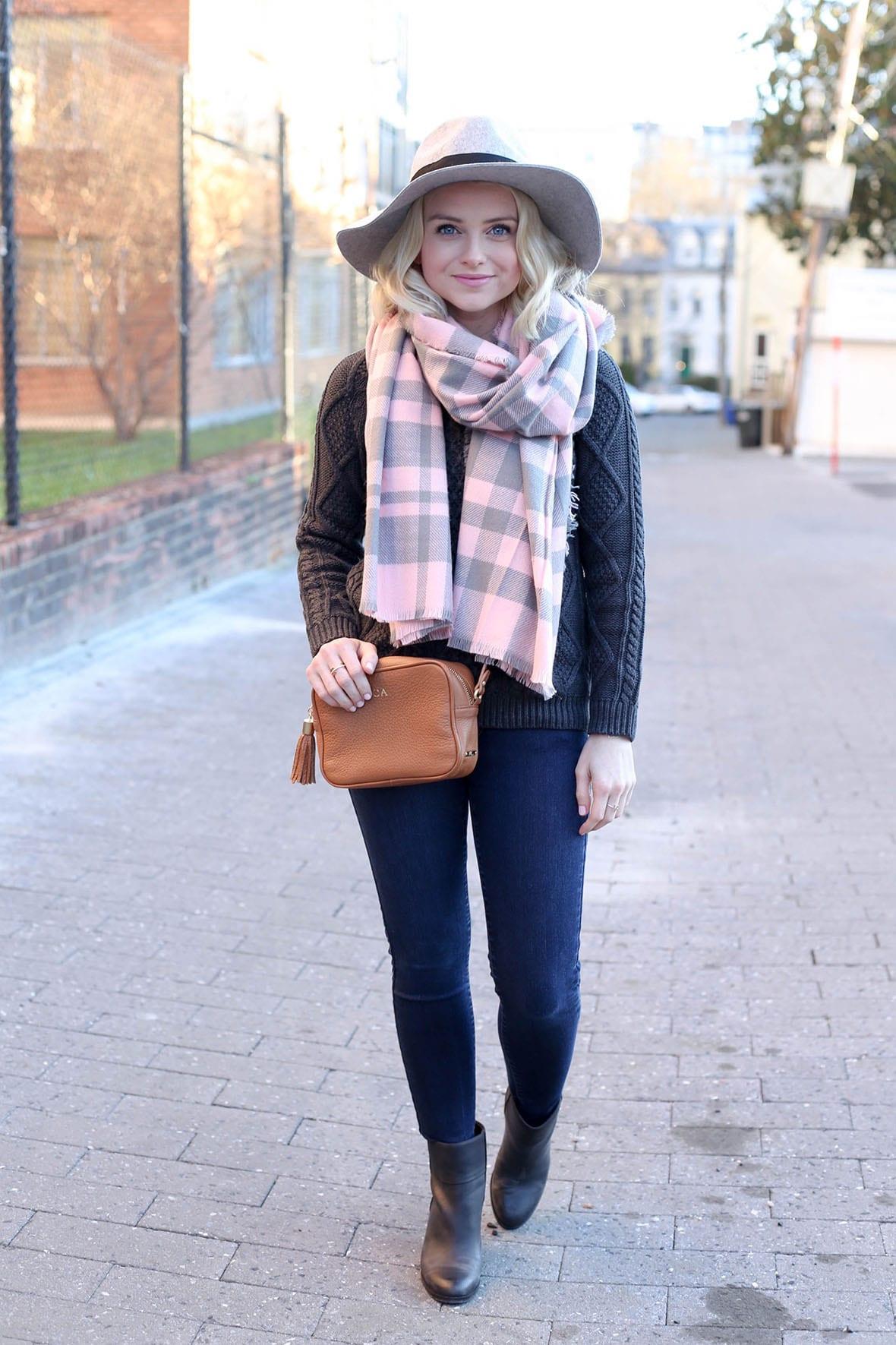 Poor Little It Girl - How To Wear Winter Pink - @poorlilitgirl