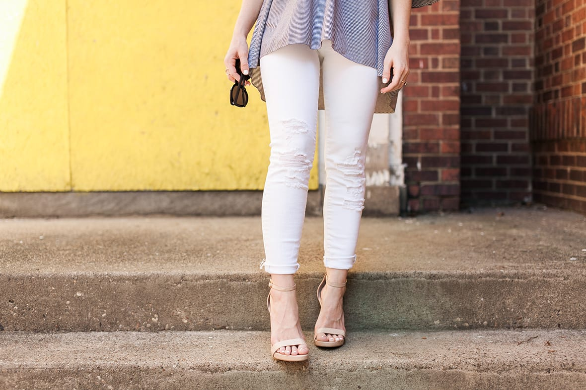 Poor Little It Girl - The Best White Jeans - @poorlilitgirl