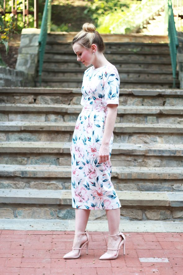 791c00bb78 Poor Little It Girl - ASOS Floral Midi Dress and Blush Patent Pumps