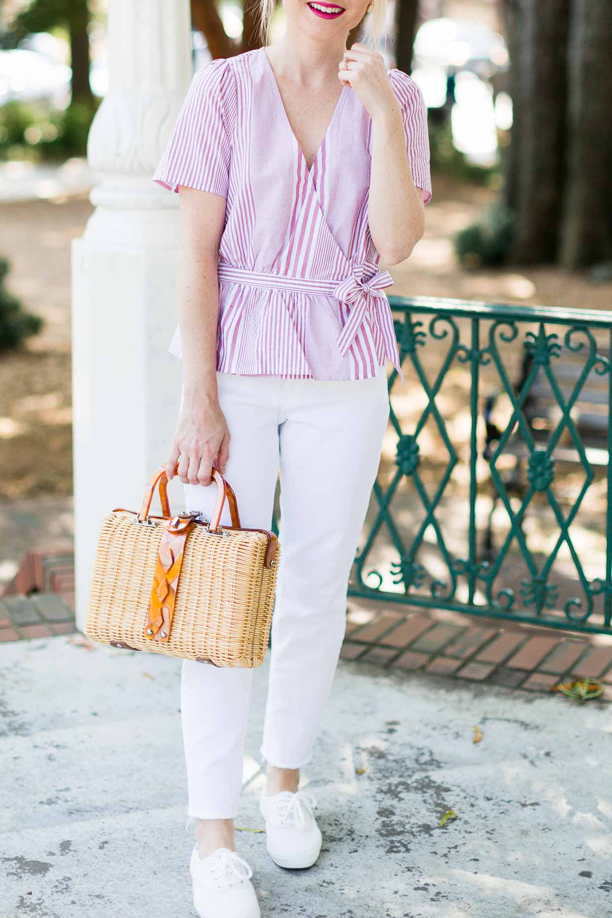 4dcd73e206fced How To Style White Jeans With White Sneakers - Poor Little It Girl